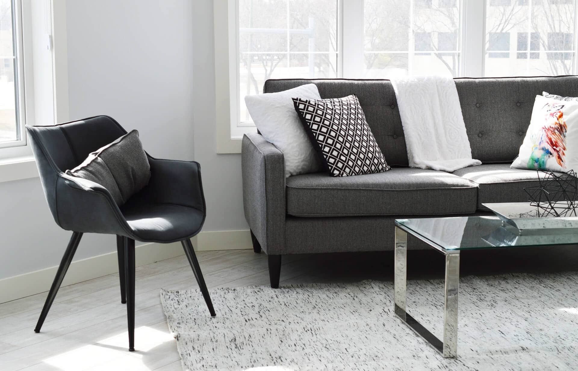 Best selling living room chairs an independent review dontbuythischair for Best place to buy living room sets