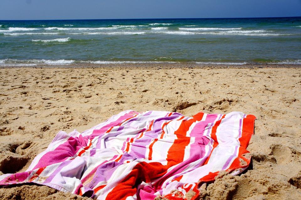 beach-towel-game-musical