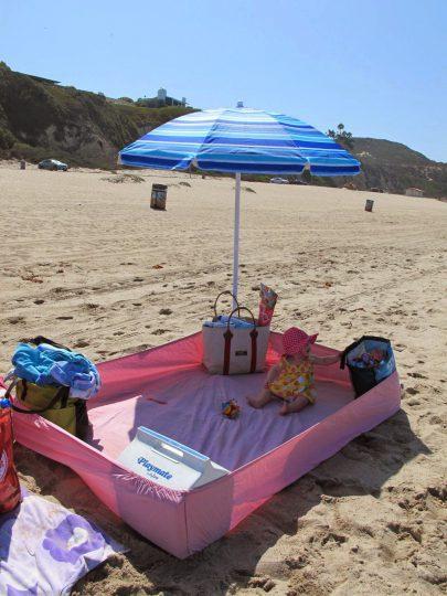 bedsheet-beach-crawler-baby