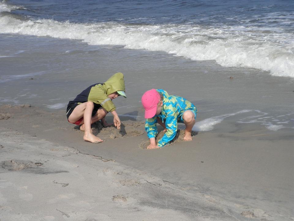 children-fun-family-beach-bowling-game