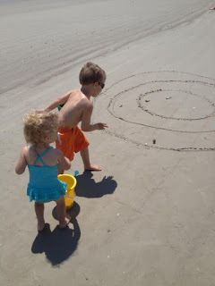 kids-game-beach-darts
